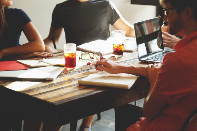 people-meeting-workspace-team-7097